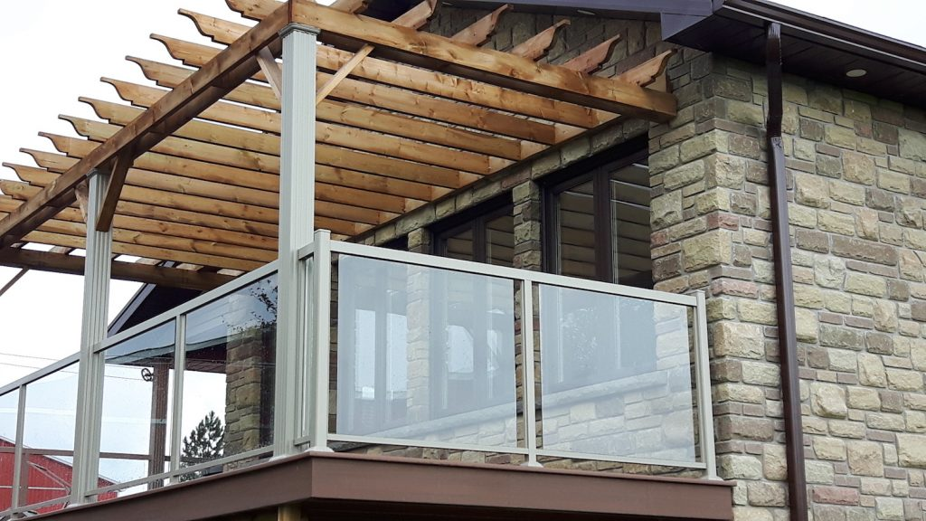 Frameless Glass Balustrades and Aluminium Rail Columns