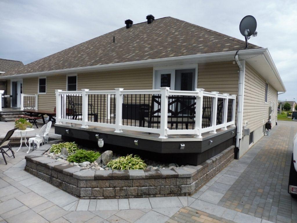 Vinyl Deck Fencing Installation at House Outdoor | Vinyl Deck Railing Ontario