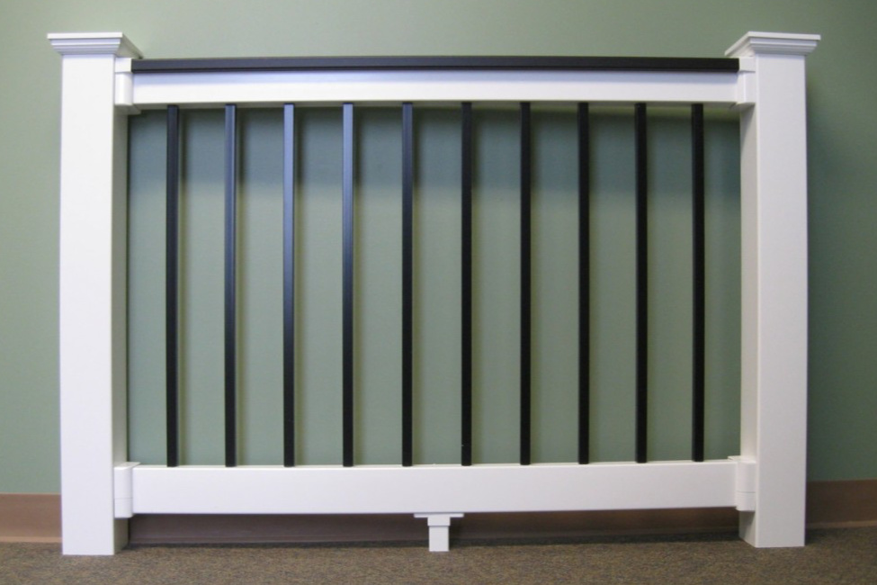 Laminated Top Rail Picture | Black Deck Railing